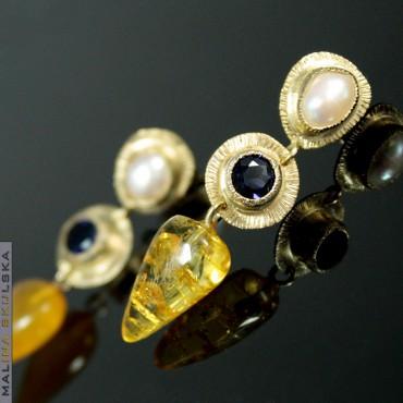 Kolczyki z perłą, iolitem i bursztynami