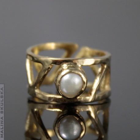 Złocony geometryczny z perłą