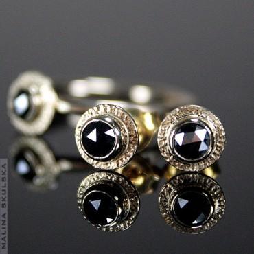Złoty komplet z czarnymi diamentami