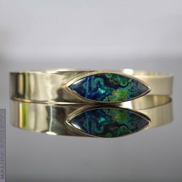 Asymetryczna złocona bransoleta z azurytem