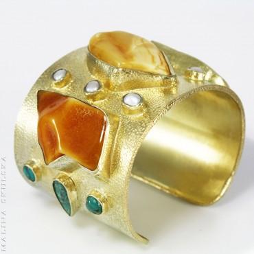 Sztywna bransoleta z bursztynami. perłami i turkusami