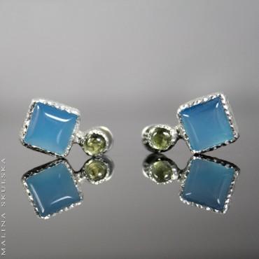 Sztyfty z peridotami i niebieskimi agatami