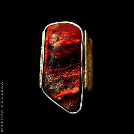Pozłacany pierścień z amolitem
